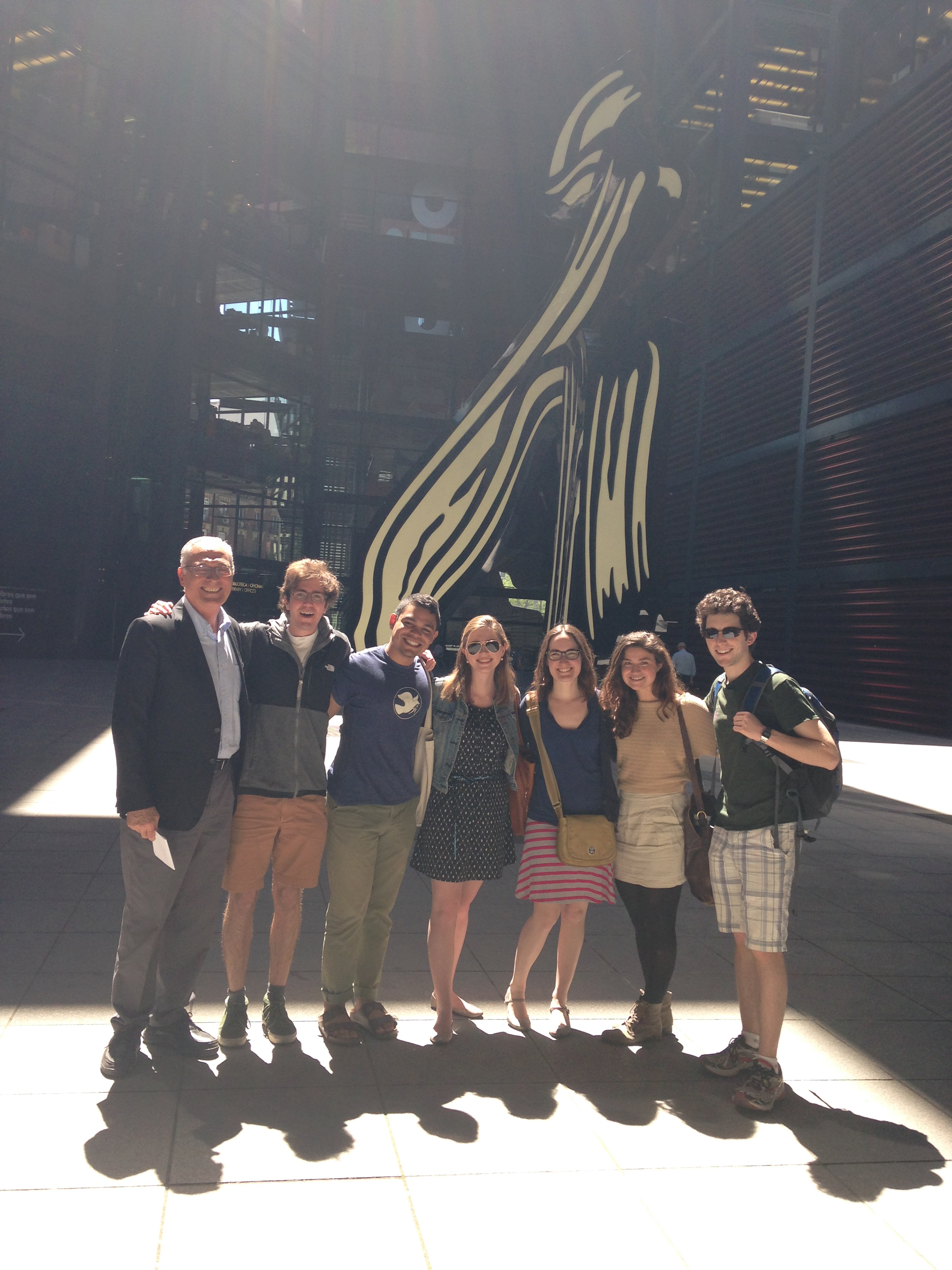 I tagged along for the Contemporary Spanish Art History class where we visited la reina sofia museum