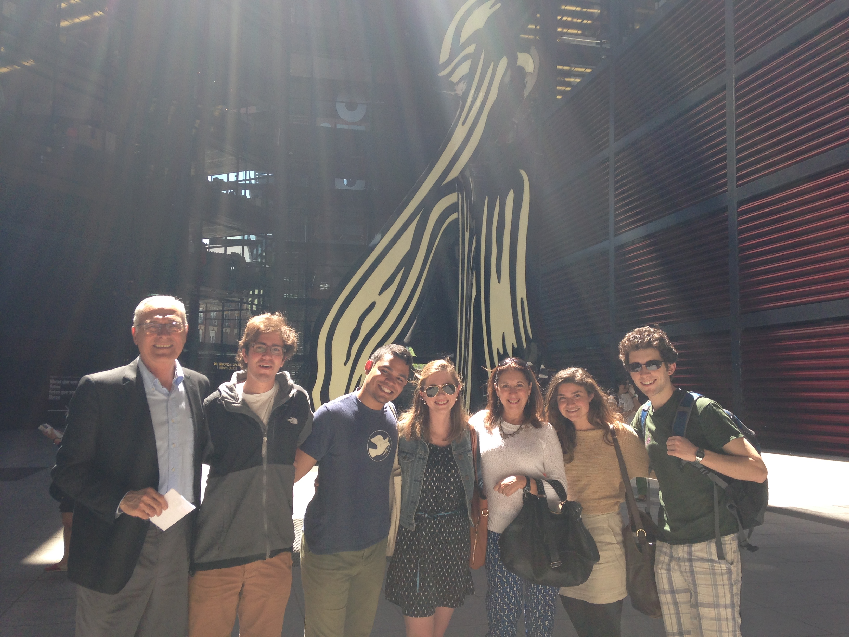 Here's Professor Rangil with the same group in front of Reina Sofia!