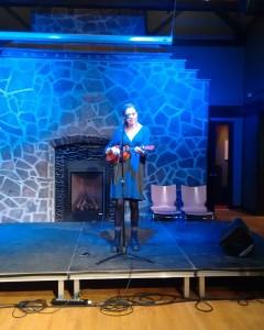Emma Ziesing performing
