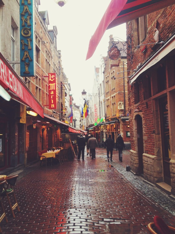 rainy side streets of Bruxelles