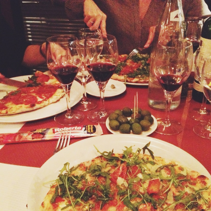 Free pizza and red wine? Yes, please!