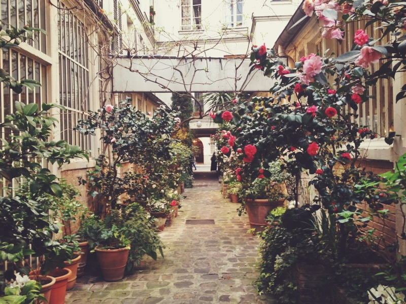 Beautiful garden & gallery tucked away on a side street in Le Marais