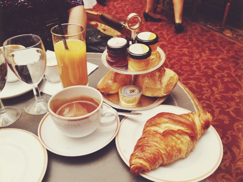 Sunday brunch at Angelina before working in the Tuileries for a few hours