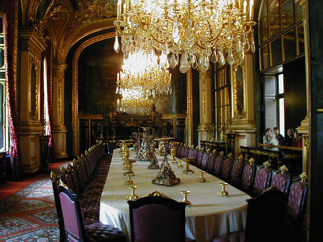 Napoleon s iii apartments louvre sophia for Comedor waterdog royal house